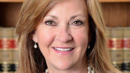 Heidi Powers of Old Westbury has been hired