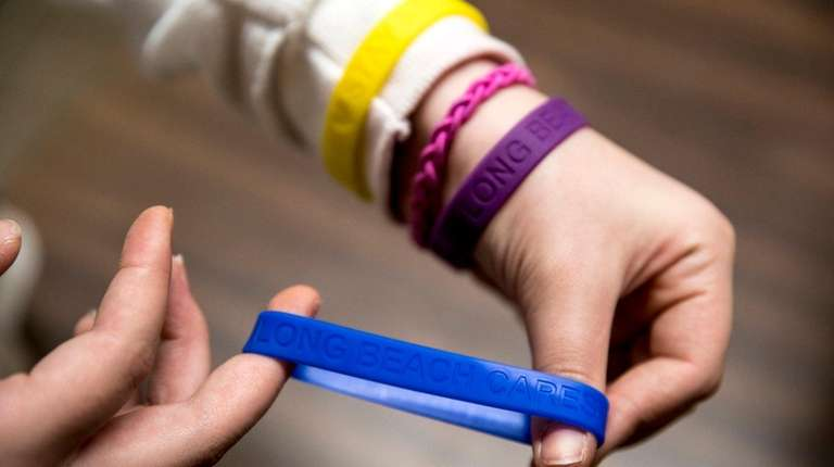 Long Beach Middle School students are selling bracelets