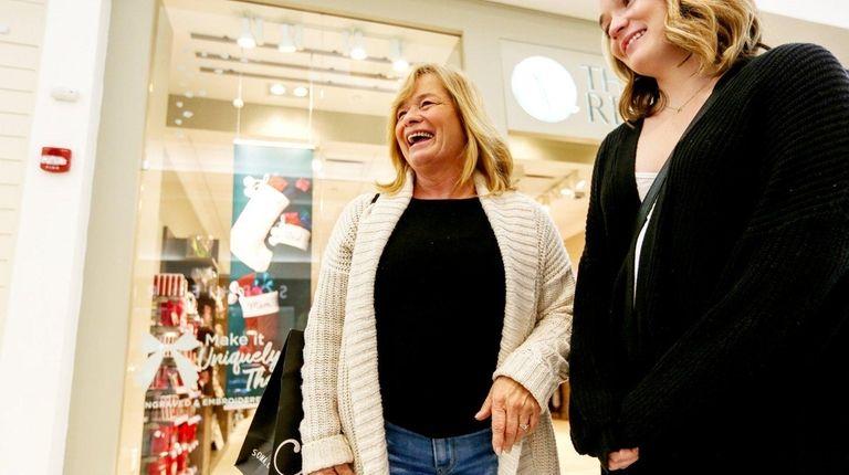 Trish Yasinsky, of Huntington, left, and her daughter,