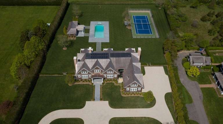 LuAnn de Lesseps once owned the Bridgehampton property.