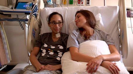 Lori Interlicchio, right, donated a kidney to