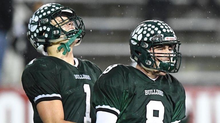 Lindenhurst quarterback Nick Anzalone, right, and Jeremy Ruckert