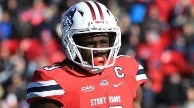 Stony Brook wide receiver Ray Bolden looks at