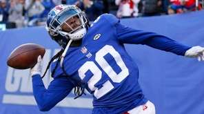 Janoris Jenkins of the Giants celebrates his fourth-quarter interception