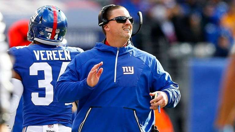 Giants fans expect coach Ben McAdoo, shown here