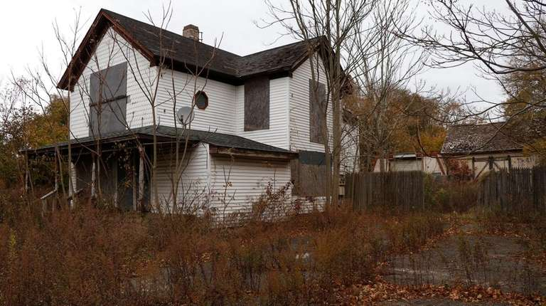 Brookhaven Town wants to demolish this historic Montauk