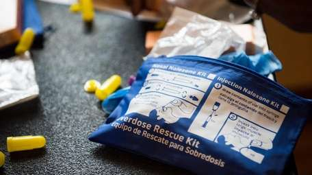 Naloxone is a rescue dosage for for opiod