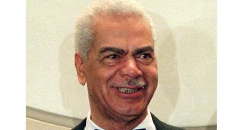 Earle Hyman poses before an induction to the
