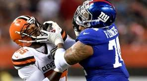 Giants offensive tackle Ereck Flowers stops Browns defensive