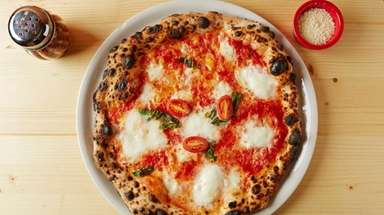 Pizza Napoletana at Naples Street Food in Franklin