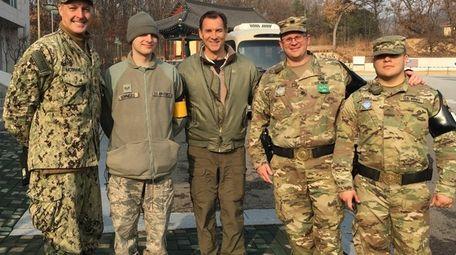 Rep. Tom Suozzi (D-Glen Cove) with U.S. servicemembers