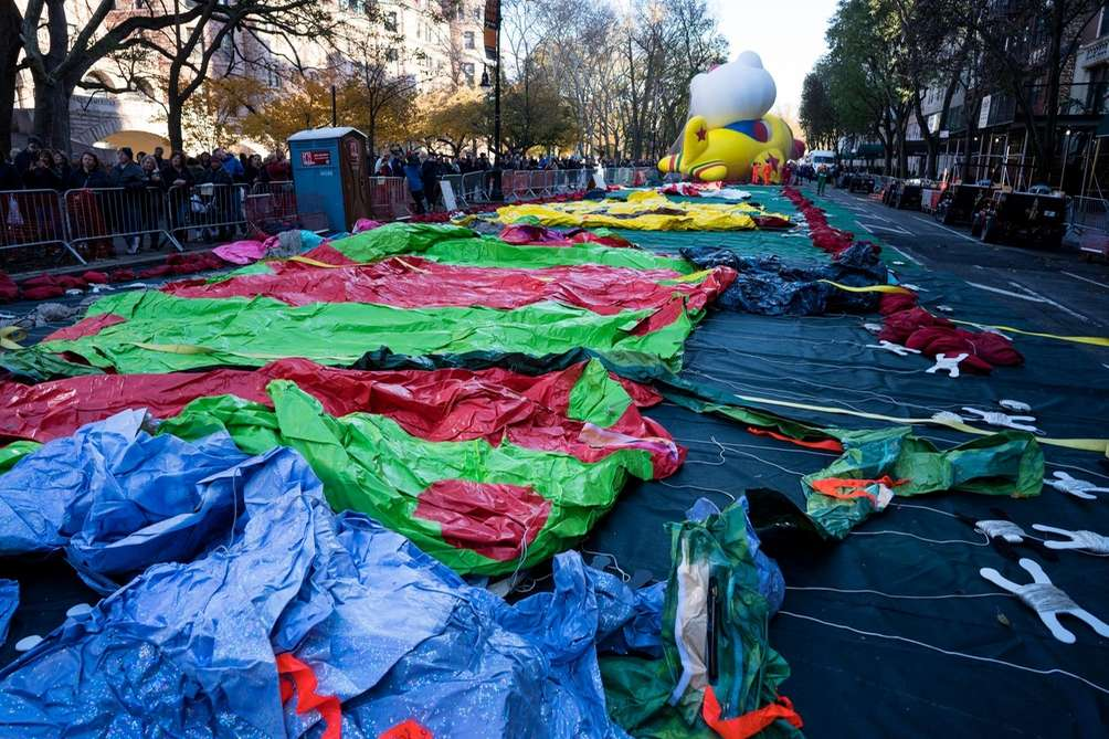 Balloons are prepared for inflation along 79th Street