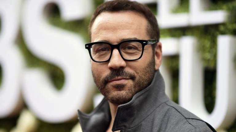 Jeremy Piven at a BUILD Speaker Series event