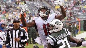 New York Jets cornerback Morris Claiborne (21) defends