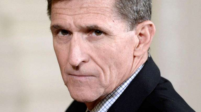 Flynn reportedly cut ties with Trump, indicating potential Mueller cooperation