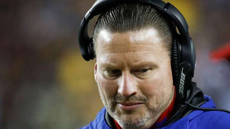Giants head coach Ben McAdoo during the second