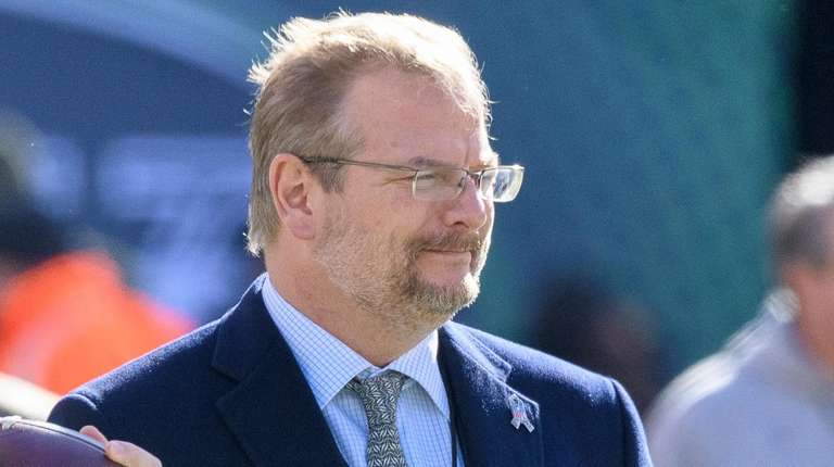 Jets GM Mike Maccagnan looks on before a