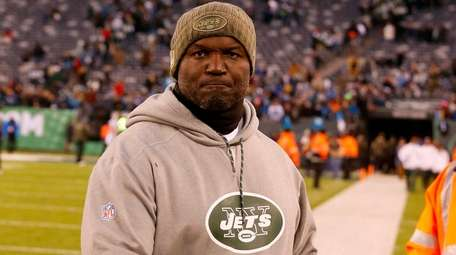 Todd Bowles of the Jets walks off the
