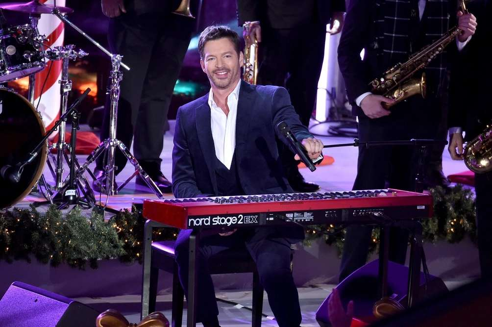Harry Connick Jr. performs during the tree lighting
