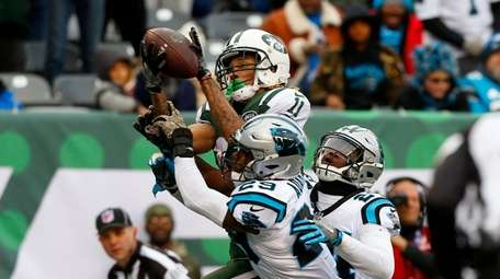 Jets receiver Robby Anderson hauls in a touchdown