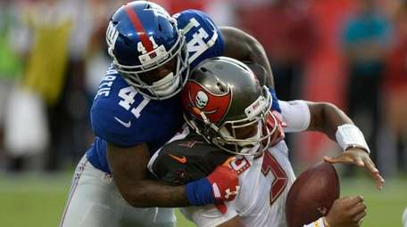Giants cornerback Dominique Rodgers-Cromartie sacks Buccaneers quarterback Jameis