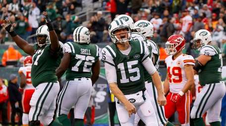 Josh McCown of the Jets reacts after his touchdown