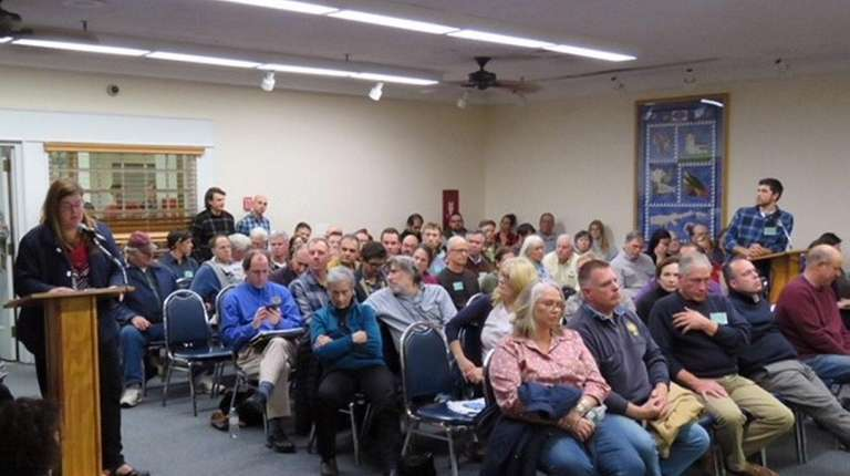 Farmers and winemakers discuss a Southold Town proposal