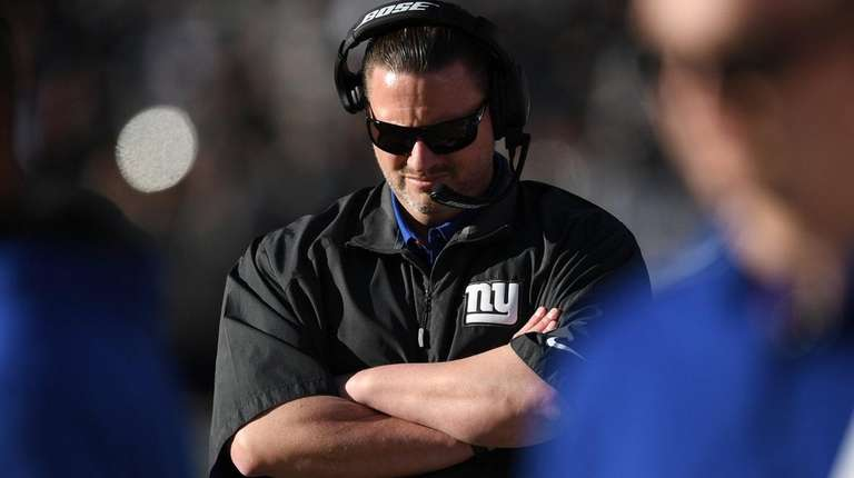 Ben McAdoo looks on against the Raiders at
