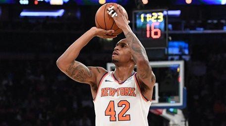 Knicks forward Lance Thomas shoots against the Orlando