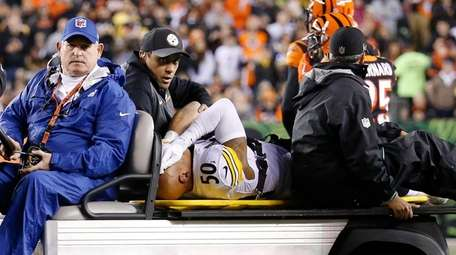 Steelers linebacker Ryan Shazier is carted off the