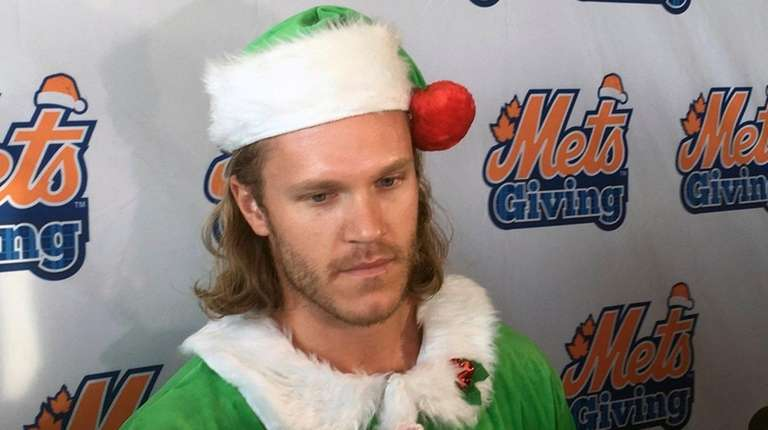 Mets pitcher Noah Syndergaard speaks to the the