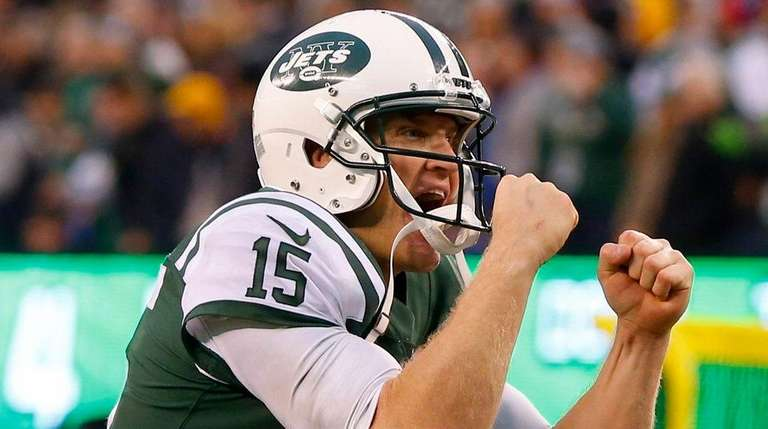 Jets quarterback Josh McCown reacts after a two-point