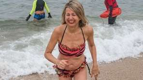 Linda Muse of Sag Harbor leaves the cold