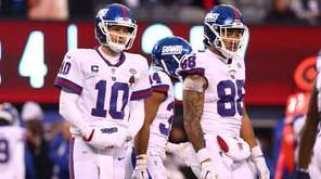 Eli Manning and Evan Engram of the Giants