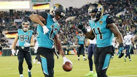 Dede Westbrook and Marqise Lee of the Jaguars
