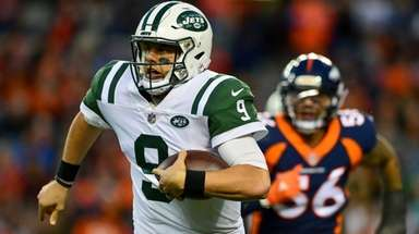 Bryce Petty of the Jets carries the ball