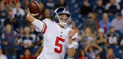 Davis Webb of the Giants prepares to throw