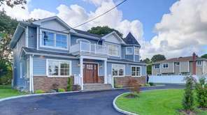 This Hicksville property recently closed for $1.126 million.