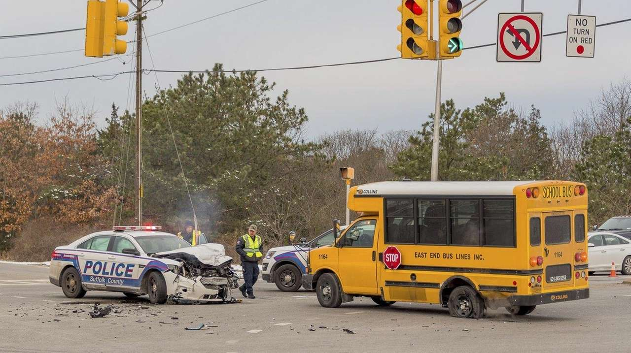 Cops: Suffolk police car collides with school minibus in Shirley ...