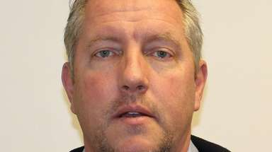 Richard Holowchak, 53, scammed superstorm Sandy homeowners, prosecutors