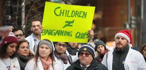 University of Chicago medical students rally to call