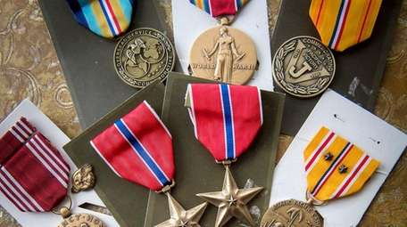 Medals that Phil Kahn earned during World War