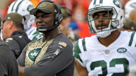 Jets head coach Todd Bowles during a game