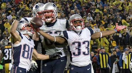 New England Patriots running back Dion Lewis celebrates