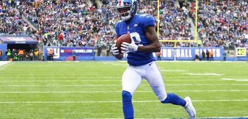 Tavares King of the New York Giants catches