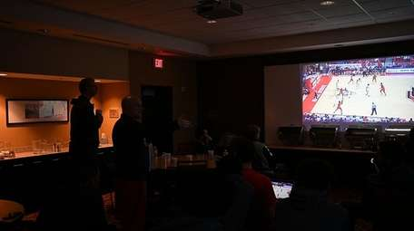 Stony Brook men's basketball coaches and players review
