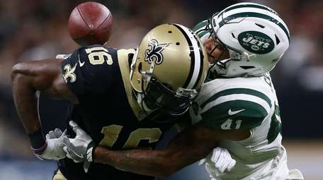 Jets cornerback Buster Skrine forces a fumble by