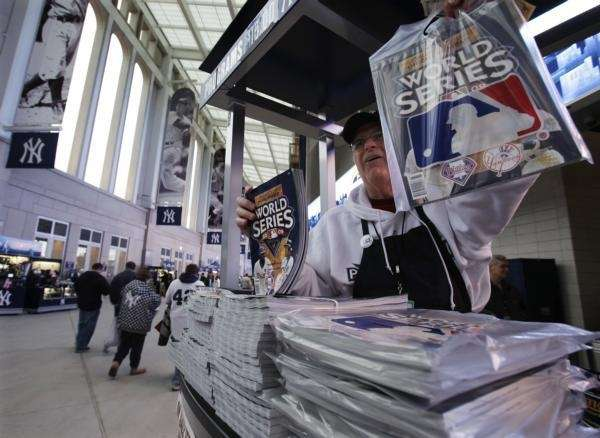 Jim MacNamara sells World Series programs before Game