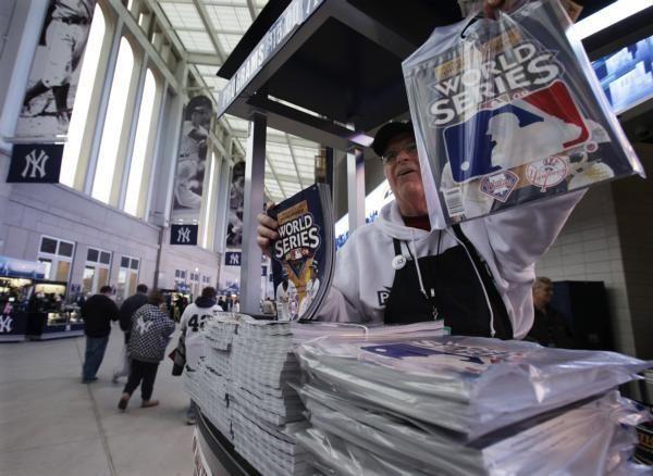 Jim MacNamara sells World Series programs before Game