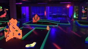 Glowgolf,一个GLG娱乐平台高反水的室内迷你高尔夫球场,打开它